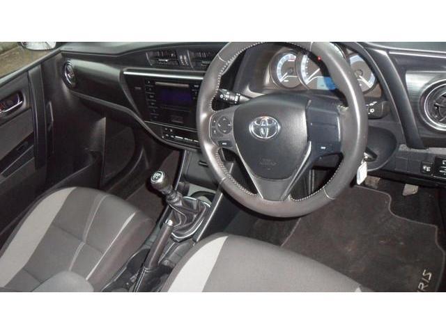 2015 Toyota Auris - Image 6