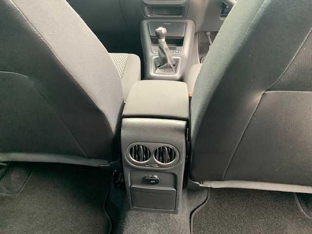 2011 Volkswagen Tiguan - Image 16