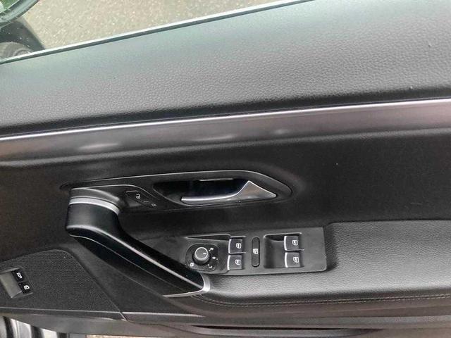 2016 Volkswagen Passat CC - Image 8