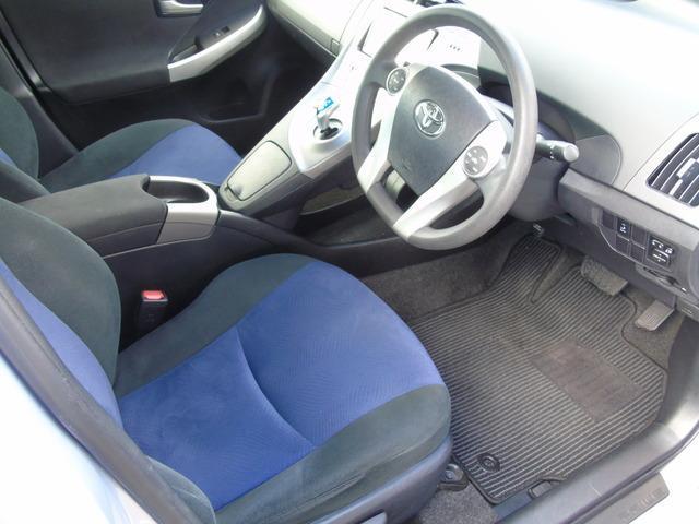 2015 Toyota Prius - Image 8