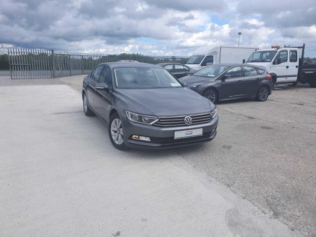 2017 Volkswagen Passat - Image 3