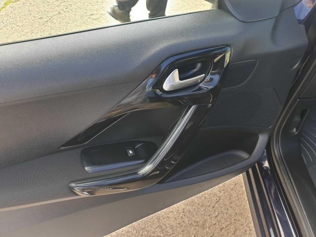 2016 Peugeot 208 - Image 25