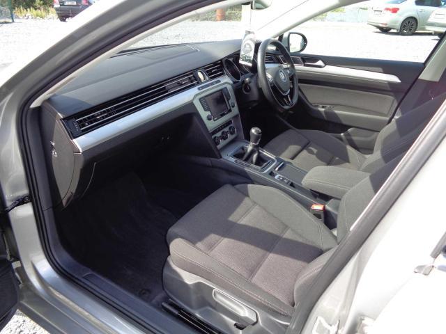 2015 Volkswagen Passat - Image 6