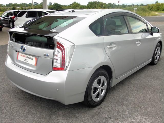 2013 Toyota Prius - Image 13