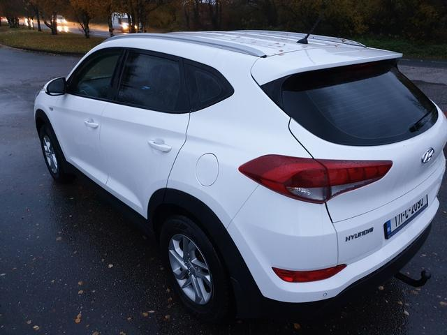 2017 Hyundai Tucson - Image 13