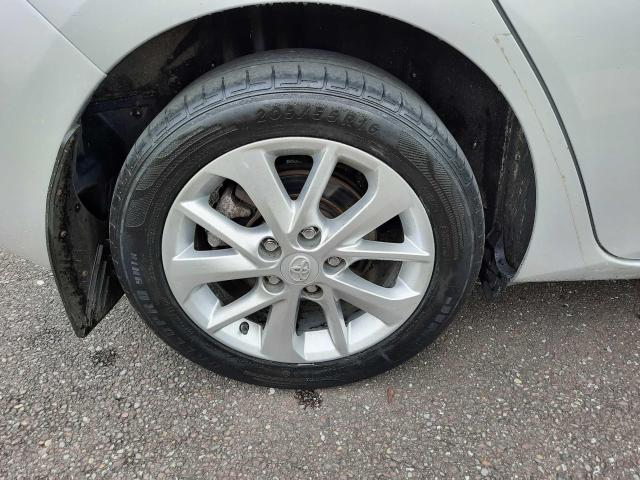 2014 Toyota Auris - Image 17