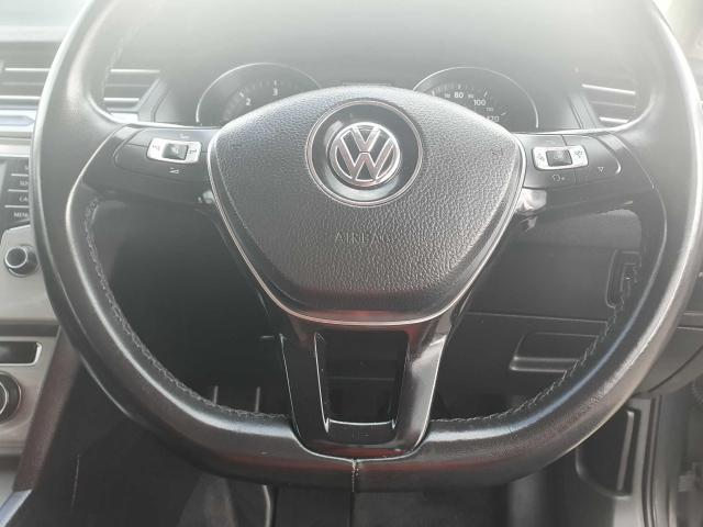 2017 Volkswagen Passat - Image 39