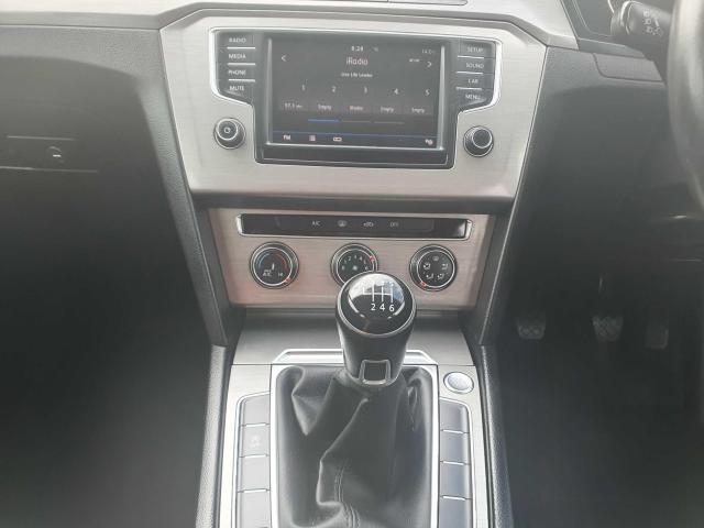 2017 Volkswagen Passat - Image 17
