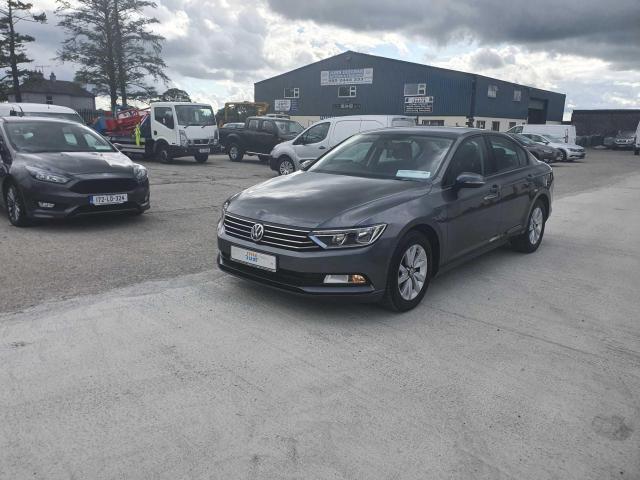 2017 Volkswagen Passat - Image 21