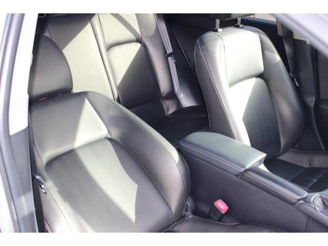 2013 Lexus CT 200h - Image 12