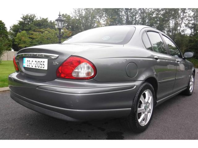 2003 Jaguar X-Type - Image 21