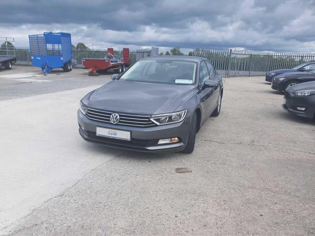 2017 Volkswagen Passat - Image 7