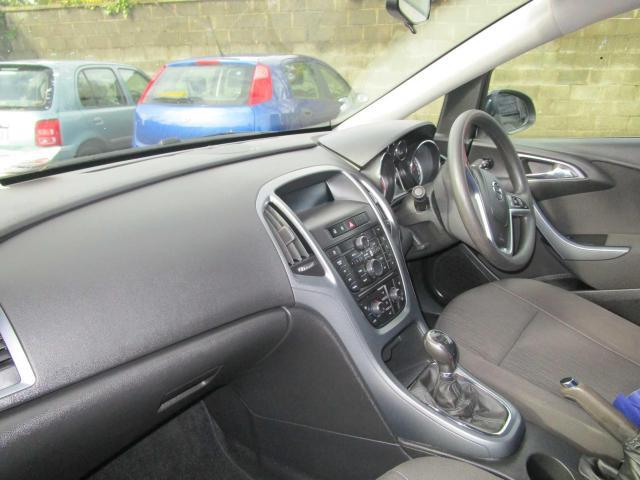 2014 Opel Astra - Image 6