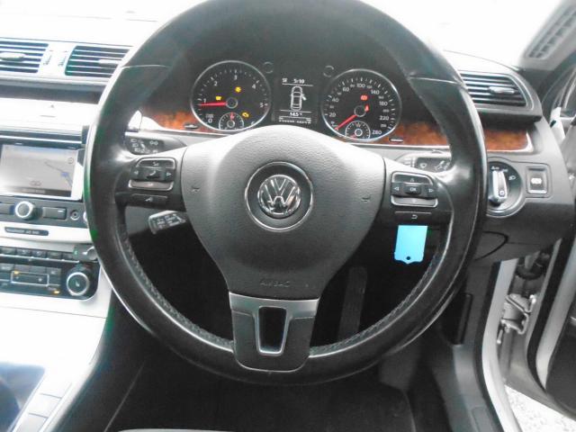 2010 Volkswagen Passat - Image 12