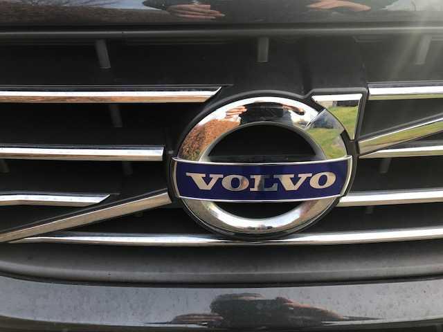2016 Volvo XC60 - Image 8