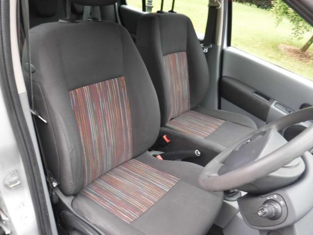 2008 Renault Modus - Image 9