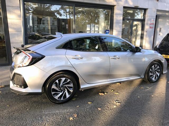 2017 Honda Civic - Image 2