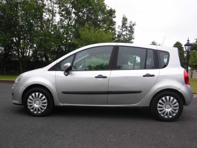 2008 Renault Modus - Image 2