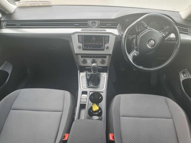 2017 Volkswagen Passat - Image 18