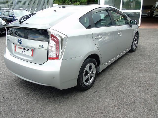 2013 Toyota Prius - Image 9