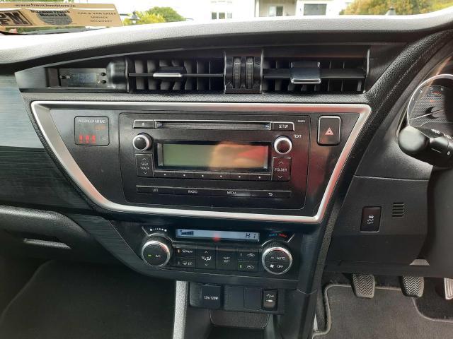 2014 Toyota Auris - Image 15