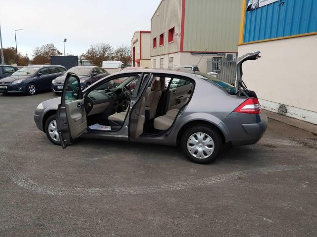 2009 Renault Megane - Image 25