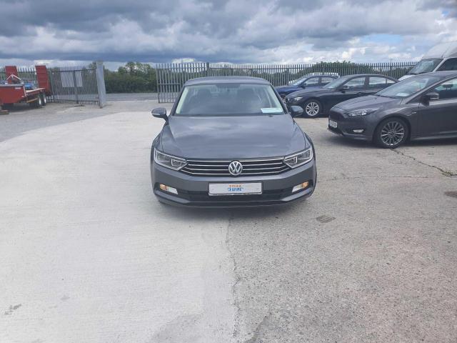 2017 Volkswagen Passat - Image 6