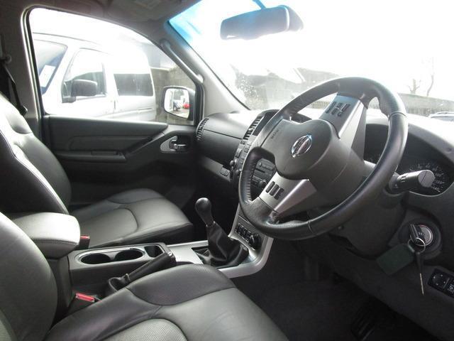2015 Nissan Navara - Image 4