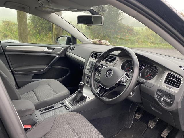 2016 Volkswagen Golf - Image 2