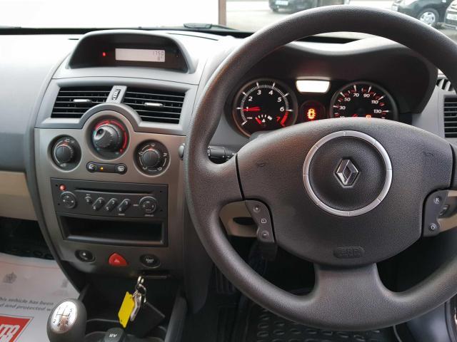 2009 Renault Megane - Image 17