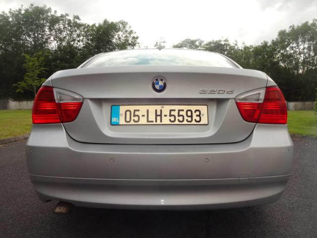 2005 BMW 3 Series - Image 10