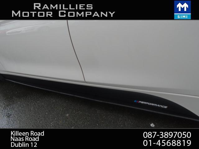 2012 BMW 3 Series - Image 11