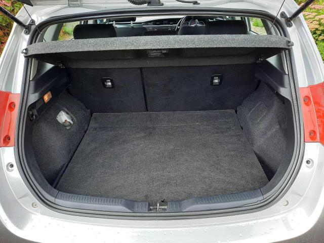 2014 Toyota Auris - Image 5