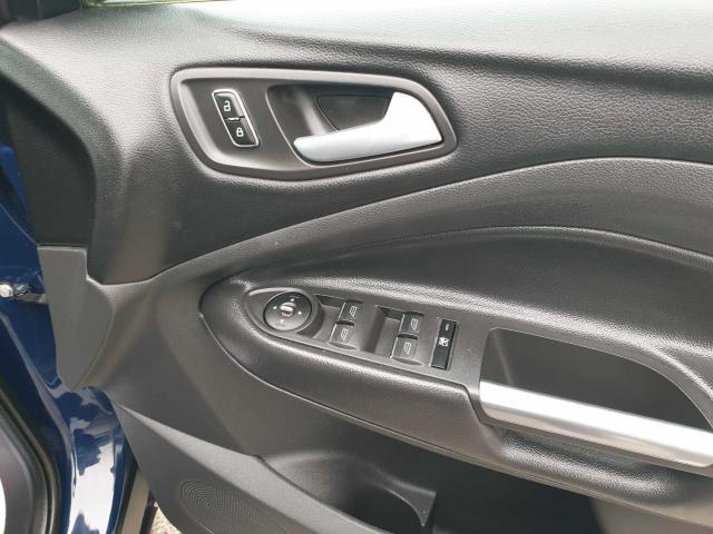 2014 Ford Kuga - Image 30