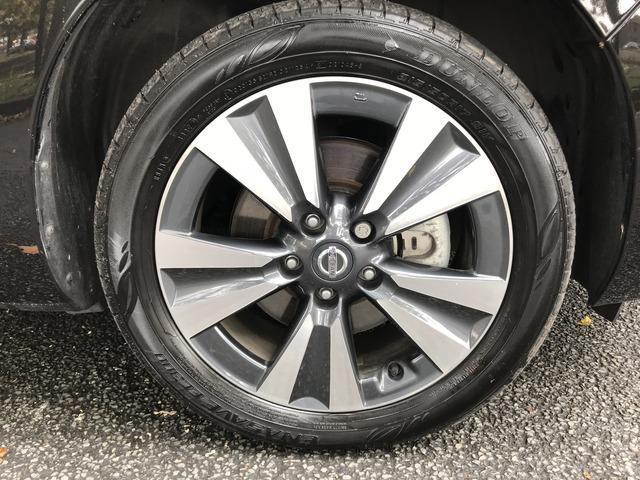 2017 Nissan Leaf - Image 12