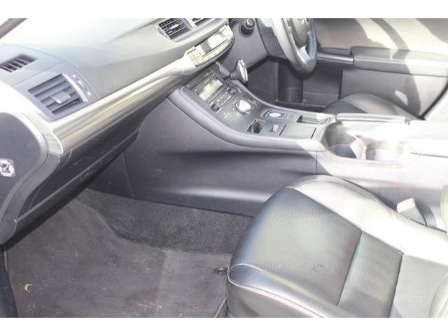 2013 Lexus CT 200h - Image 17