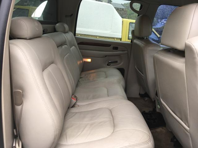 2002 Cadillac Escalade - Image 2