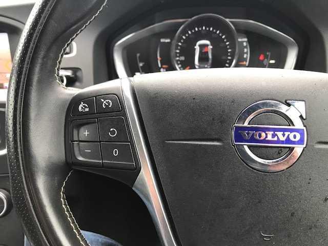 2017 Volvo S60 - Image 5