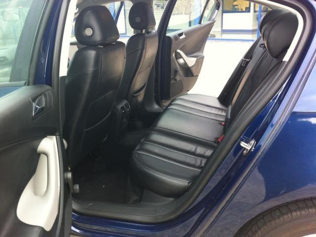 2008 Volkswagen Passat - Image 8
