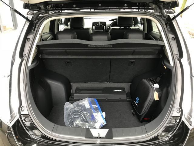 2017 Nissan Leaf - Image 11