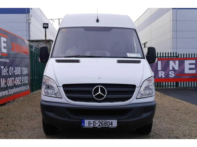 2011 Mercedes-Benz Sprinter - Image 2