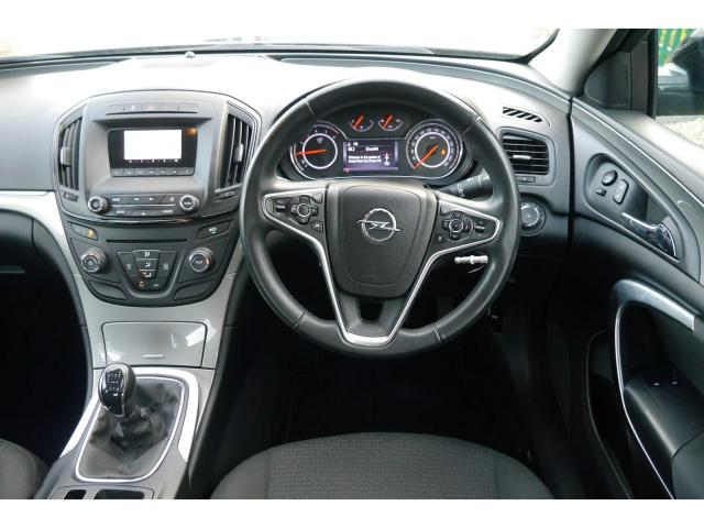 2015 Opel Insignia - Image 12