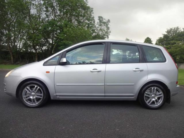2005 Ford Focus - Image 11