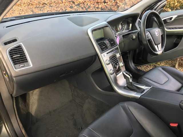 2016 Volvo XC60 - Image 13