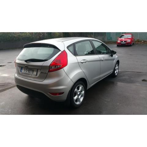2011 Ford Fiesta - Image 3