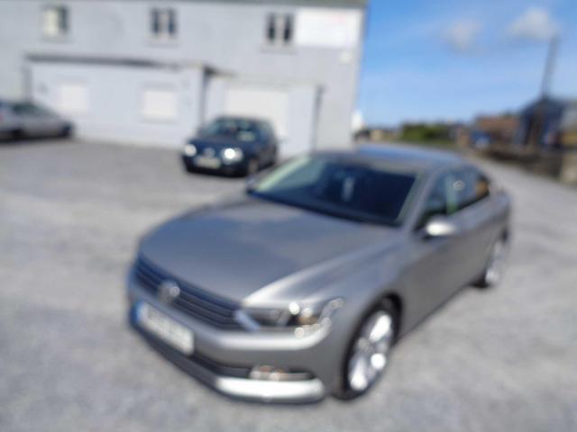 2015 Volkswagen Passat - Image 1