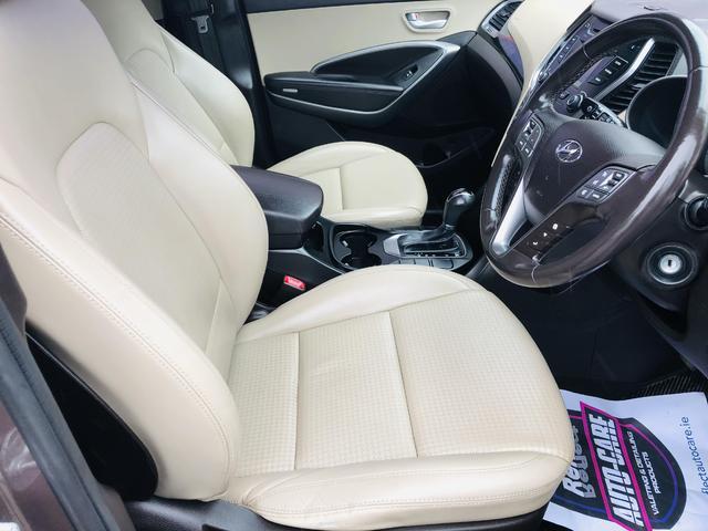2014 Hyundai Santa Fe - Image 9