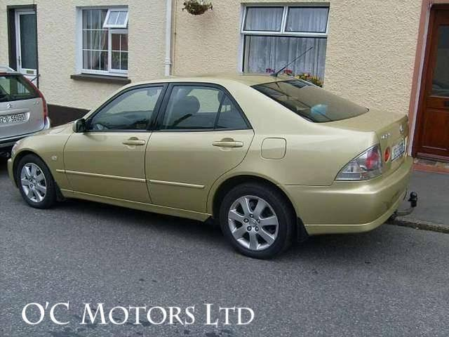 2003 Lexus IS 200 - Image 2