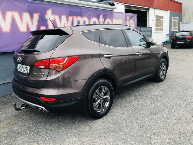 2014 Hyundai Santa Fe - Image 3