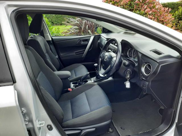 2014 Toyota Auris - Image 12